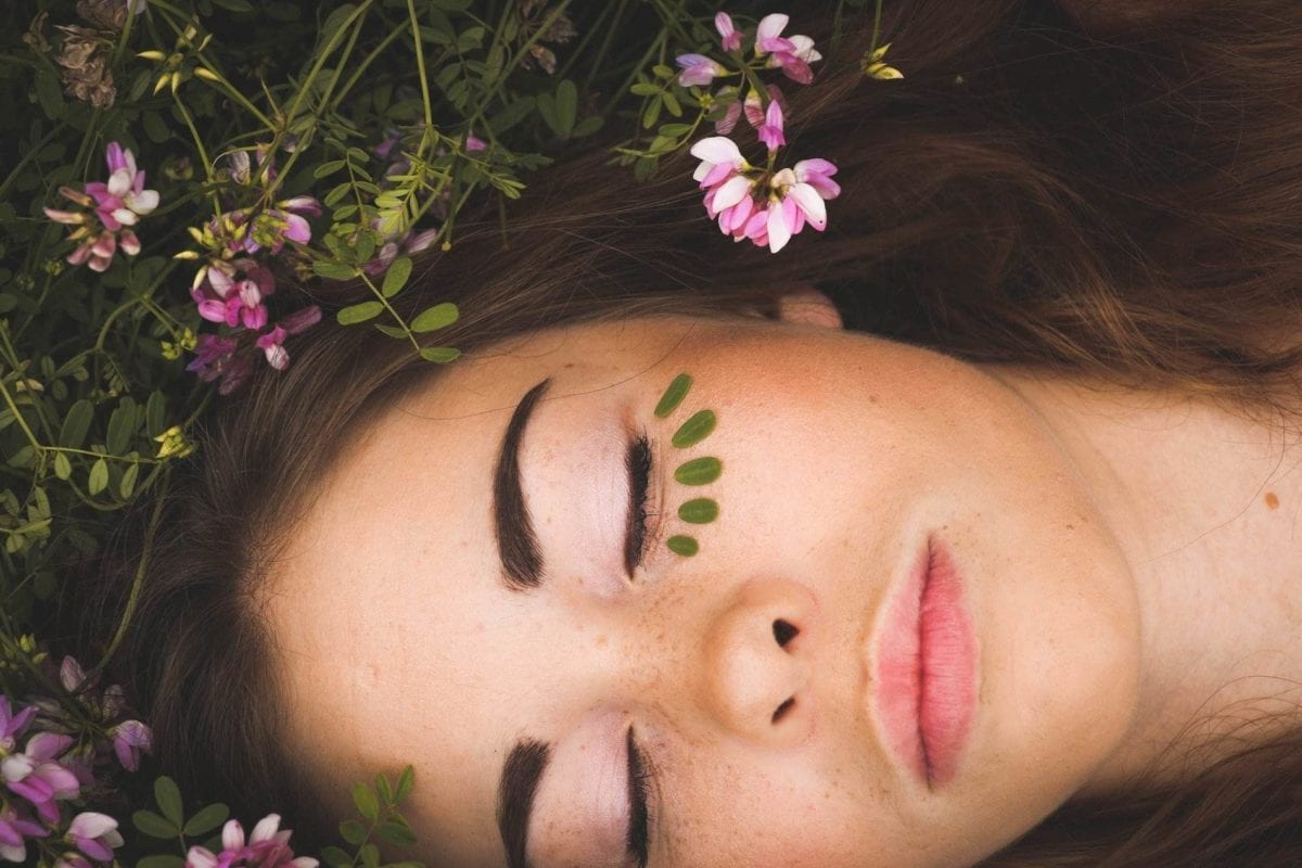 Theta Waves: The Benefits Of Daydreaming And Deep Meditation