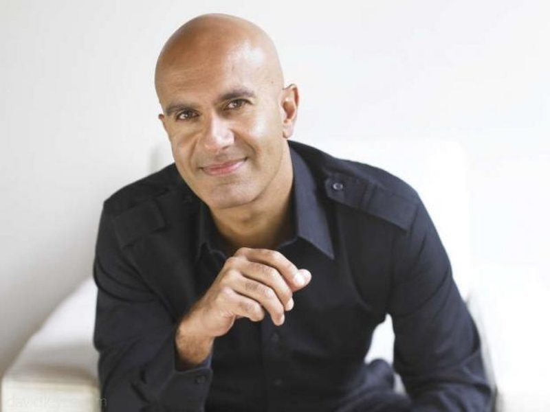 The best self improvement podcasts with Robin Sharma