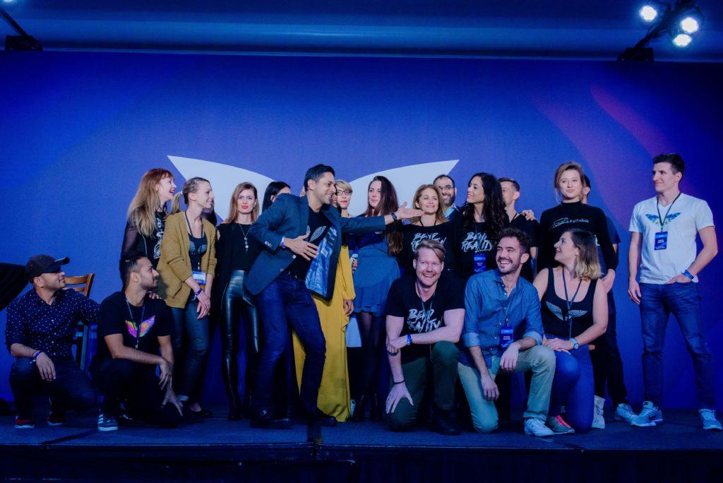 Vishen Lakhiani on stage acknowledging the Mindvalley Reunion 2018 Team